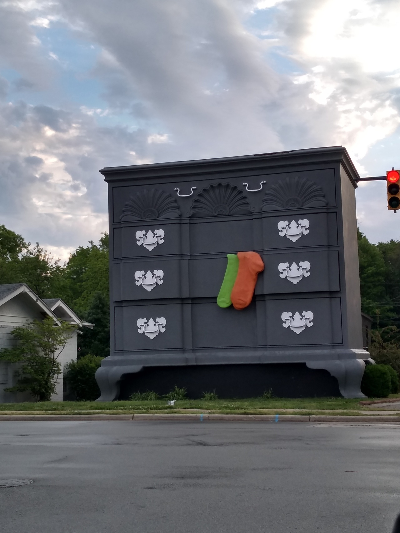 World's Largest Chest of Drawers – High Point, North Carolina